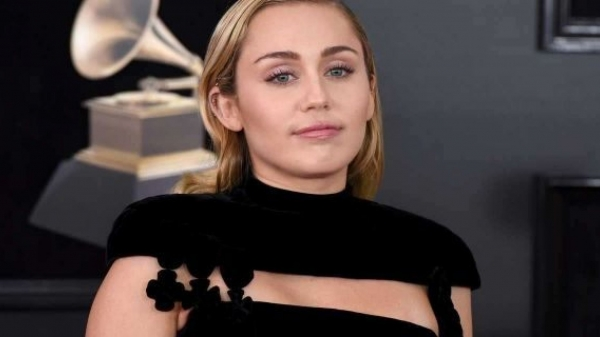 Miley Cyrus says she's in a 'healing place' after losing home in Southern California wildfire