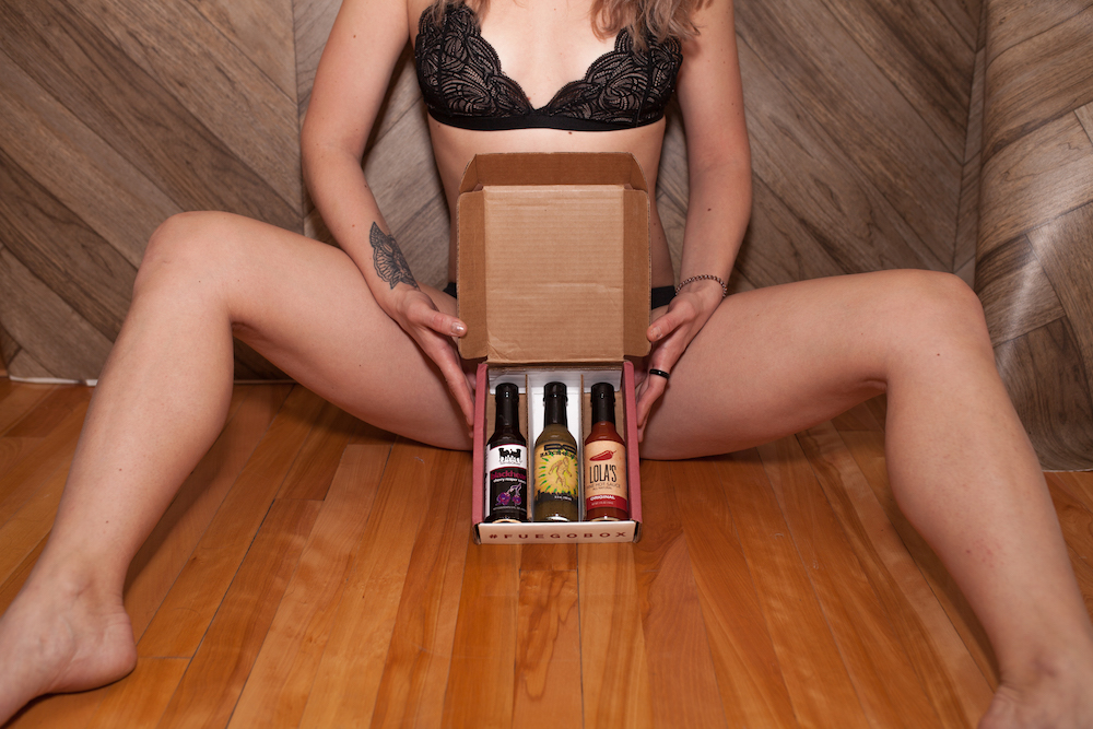 AMAZING GIFT IDEA – FUEGO HOT SAUCE BOX OF THE DAY